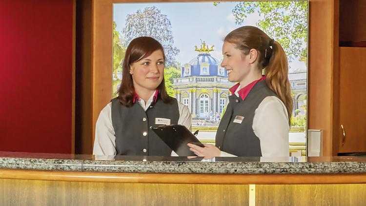 Empfangsmitarbeiter | Empfangskraft  (m/w/d) - H+ Hotel Oberstaufen