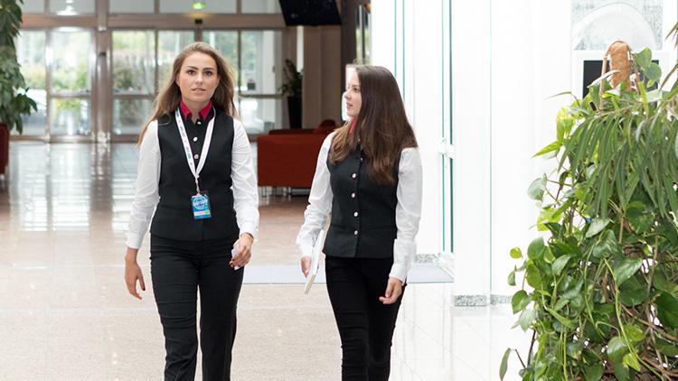 Mitarbeiter Empfang&Service | Allrounder (m/w/d) - H+ Hotel Bad Soden