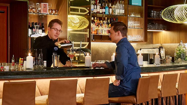 Service | Barmitarbeiter (m/w/d) - H4 Hotel Solothurn