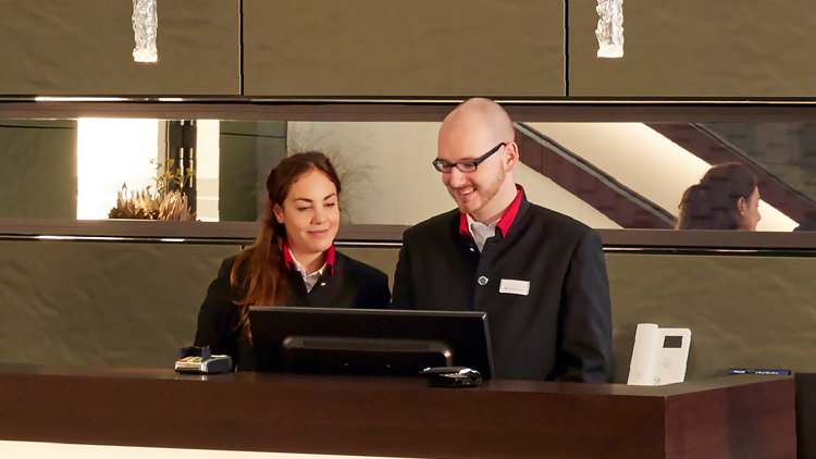 Front Office Shiftleader (m/w/d) - HYPERION Hotel Dresden am Schloss