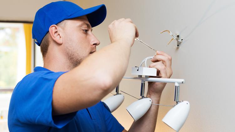 Haustechniker (m/w/d) - Instandhaltung - H+ Hotel Stade